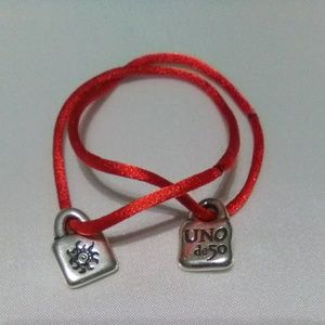 Uno de 50 silver lock charm